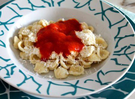 Orecchiette pomodoro e cacio