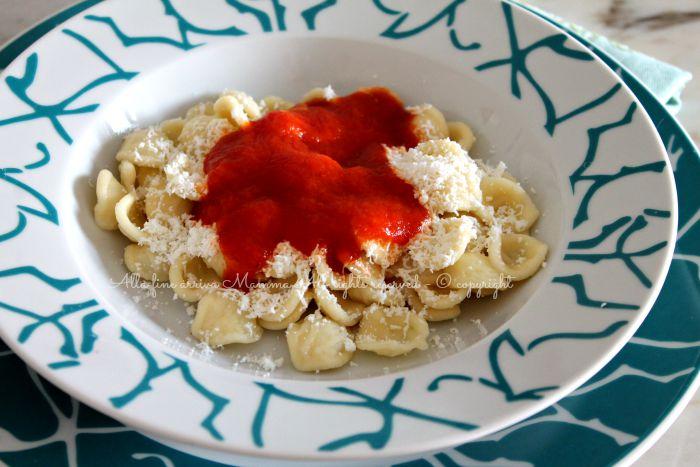 Orecchiette pomodoro e cacio ricetta pugliese alla fine arriva mamma