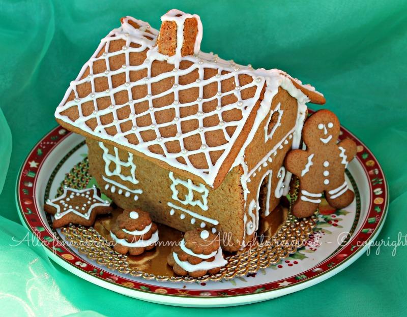 Casetta pan zenzero ricetta Natale bambini Alla fine arriva Mamma