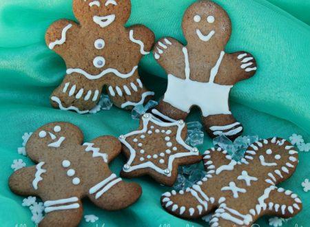 Biscotti pan zenzero decorati Natale bambini