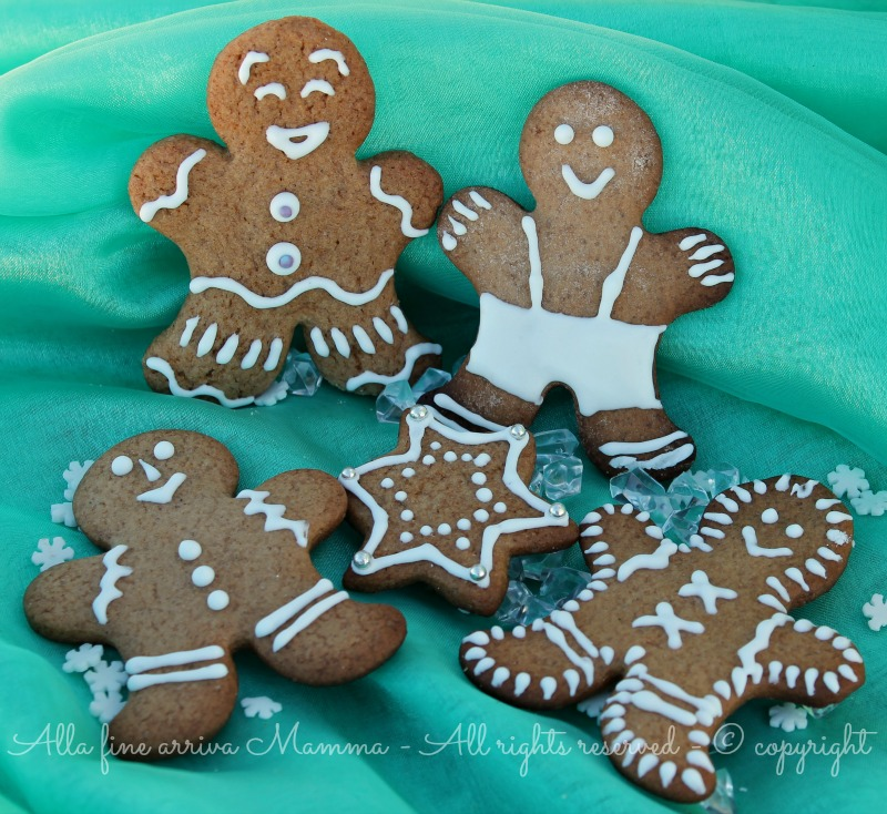 Biscotti pan zenzero decorati Natale bambini Alla fine arriva Mamma