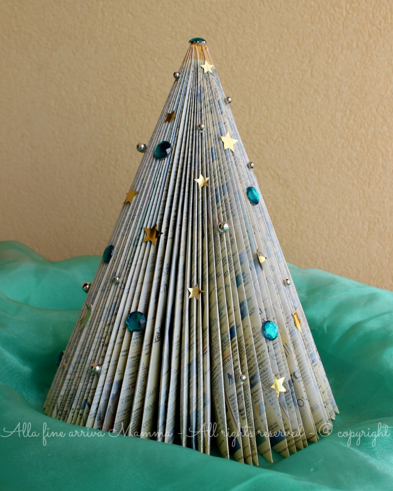 Eccezionale Albero Natale di carta fai da te ed ecologico HG24