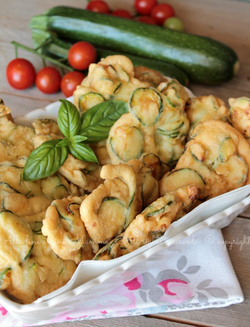 Frittelle di zucchine pastellate ricetta Alla fine arriva Mamma