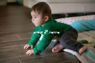 crescita neonato 7 mesi - gattonare