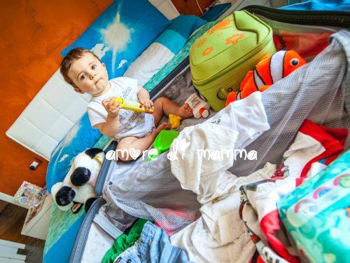 Vacanza al mare con bambini piccoli: cosa metto in valigia?