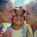 Lavoretti festa dei nonni per bambini: 2 attività semplici e stimolanti