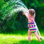 Come togliere il pannolino in estate senza traumi