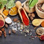 Come fare il sale e l'olio aromatizzati alle erbe