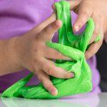 2 modi di fare lo slime in casa con soli 3 ingredienti, naturali e non tossici