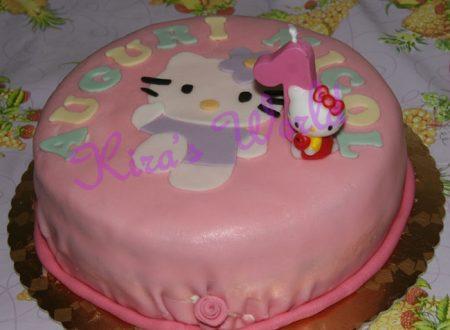 Torta di Hello Kitty in pasta di zucchero