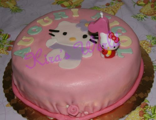 Torta di Hello Kitty in pasta di zucchero