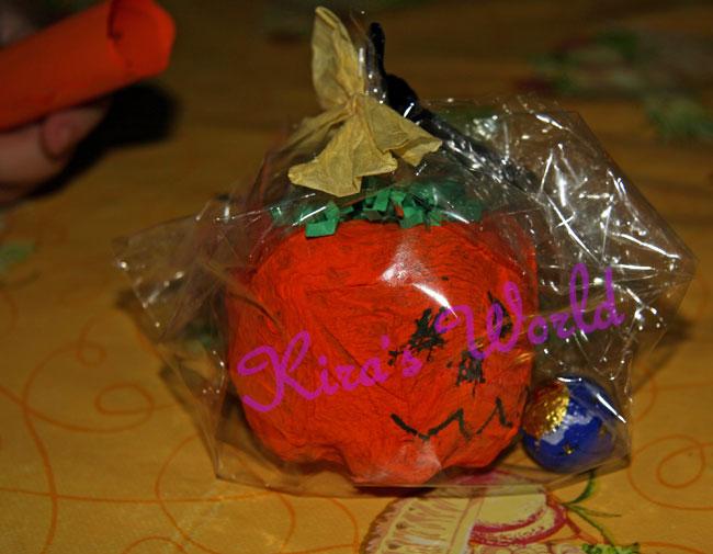 Zucca di Halloween con i cioccolatini