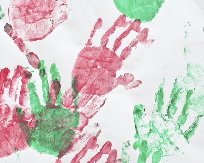 Mani colorate a scuola