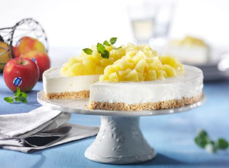 Torta con mele e crema