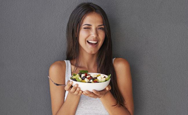 donna a dieta felice