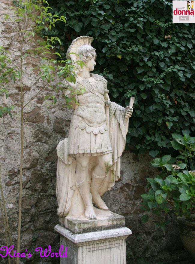 statua giardino castello