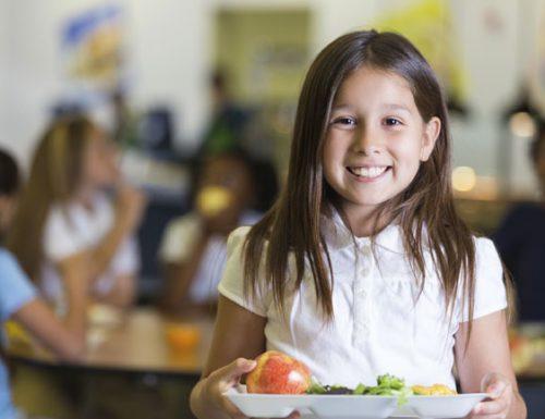 Quando il cibo può far male ai bambini: miti, pregiudizi e realtà