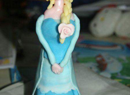 Frozen Cake: come fare Elsa in pasta di zucchero