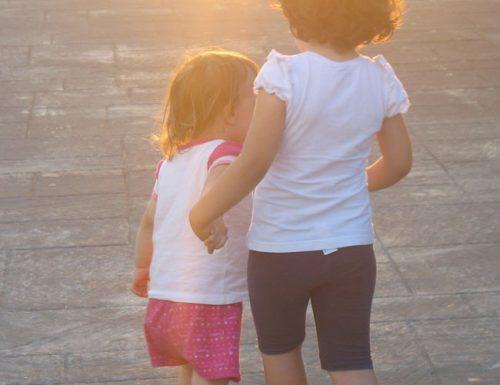 Amore (e gelosia) tra sorelle (o fratelli)