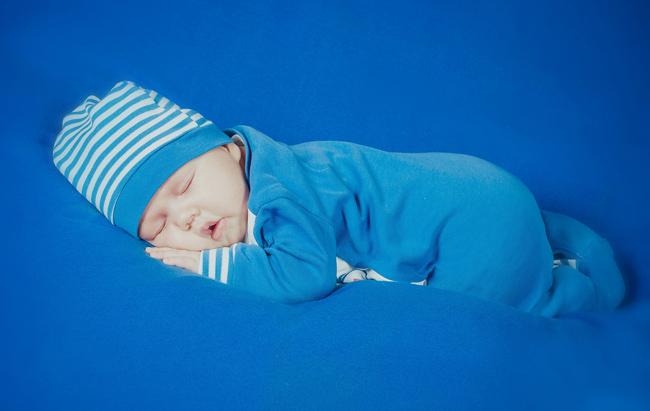 neonato scoperto grasso bruno