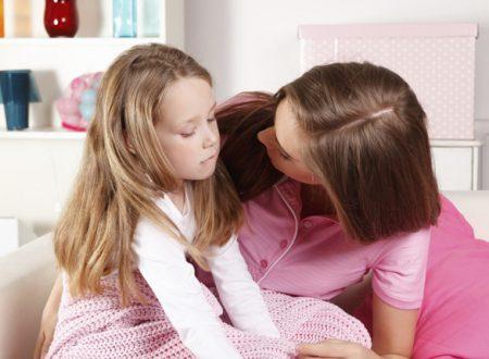 I bambini apprezzano l'affetto con i loro genitori