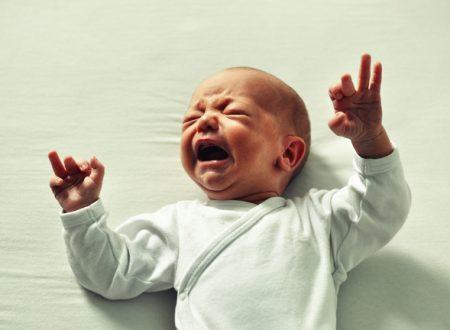 Ecco perchè non si devono lasciar piangere i neonati