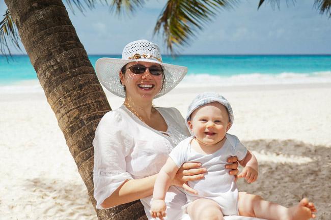 protezione solare mamma e figlio