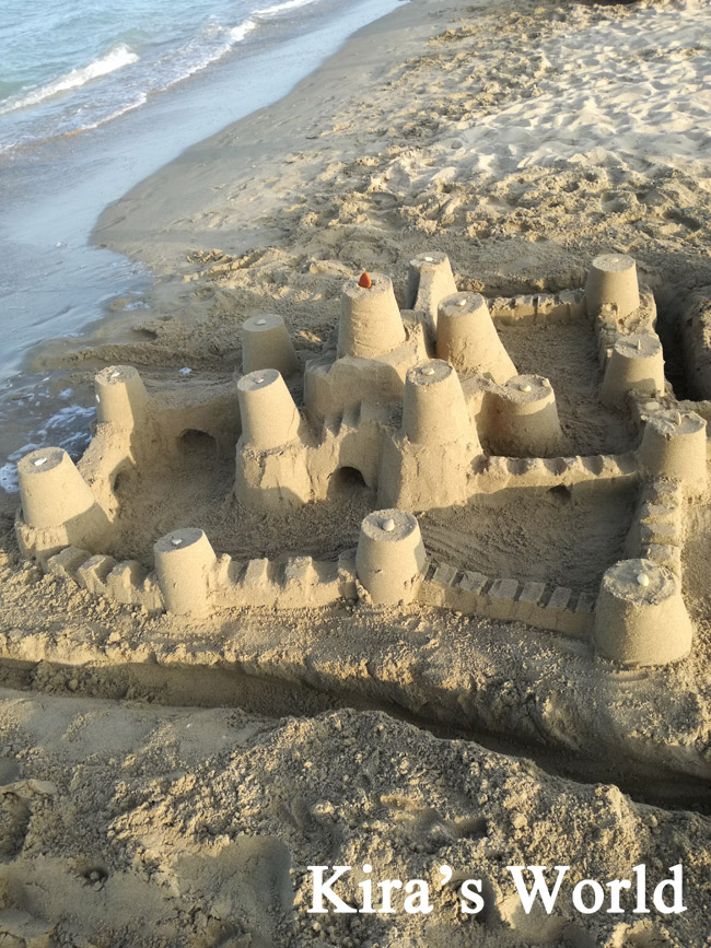 Castello di sabbia dalle ferie