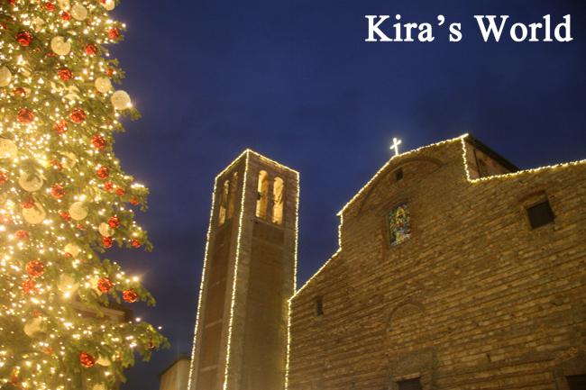 Duomo illuminato a Montepulciano