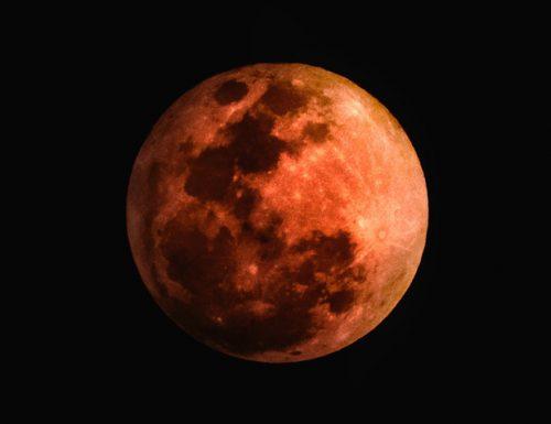 Luna di Sangue, in arrivo l'eclissi più lunga del secolo