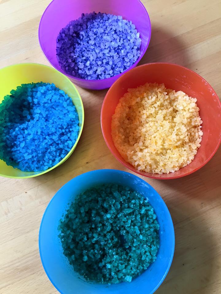 Cristalli magici sali da bagno mammacs - Sali da bagno colorati ...