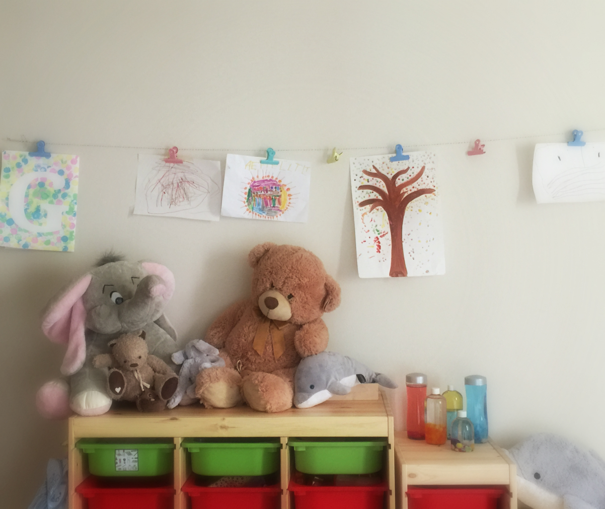 Disegni camera bambini minimalista cameretta neonato colorata disegni per camerette bambini con - Camera per bambini usata ...