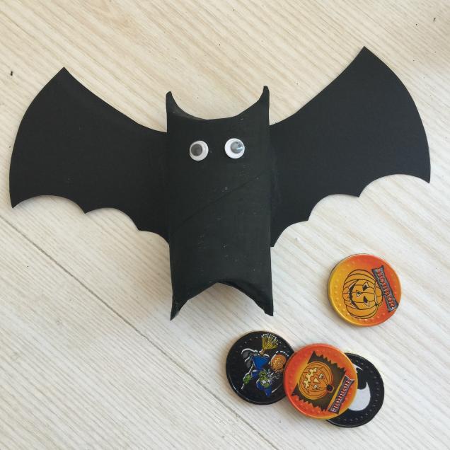Lavoretto halloween porta dolcetti pipistrello e mummia - Contorno immagine di pipistrello ...