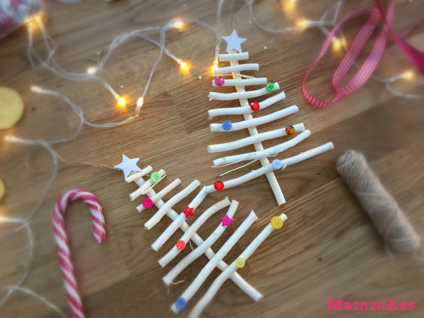 Addobbi natalizi con bastoncini di legno mammacs - Addobbi natalizi per finestre fai da te ...