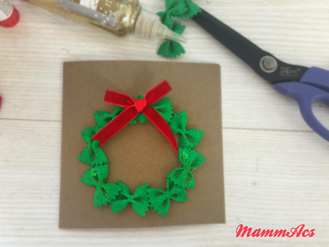 Ghirlanda natalizia di pasta mammacs for Ghirlande natalizie di carta