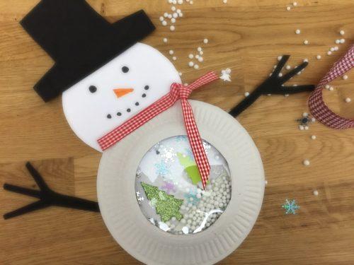 Lavoretto natalizio – Pupazzo con sfera di neve
