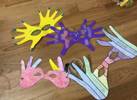 Lavoretto di carnevale – mascherina di mani