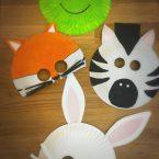 Animali con piatti di carta