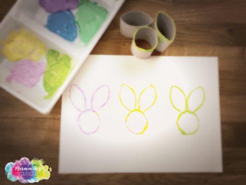 Timbro coniglietto con rotoli di cartone