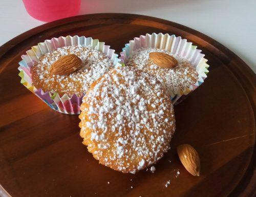 Muffin al sapore di cocco e mandorle