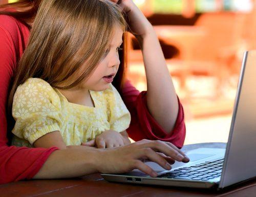 Numeri, link, siti e app che tutte le mamme devono conoscere