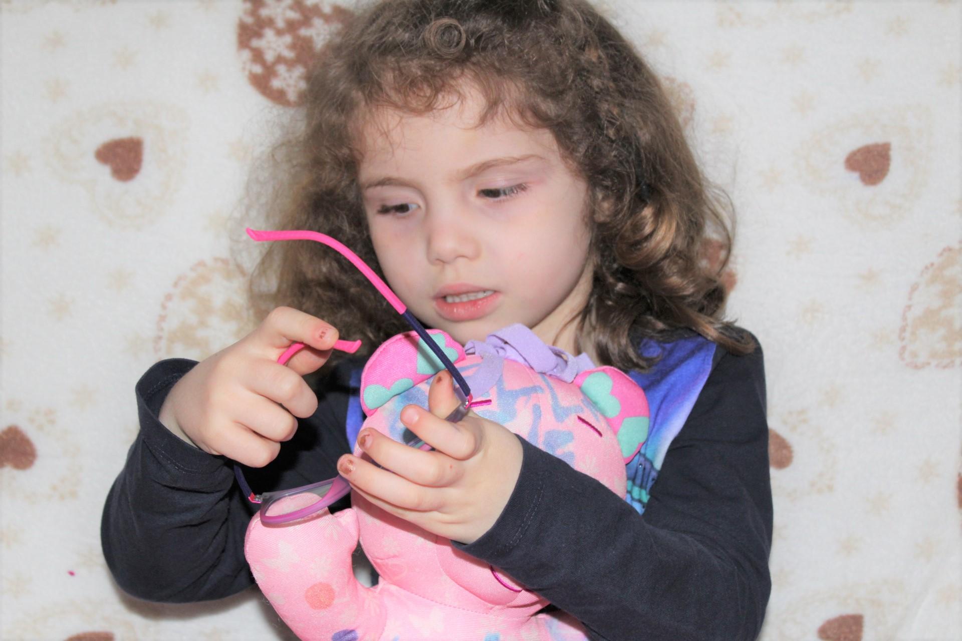 Il primo controllo della vista ai bambini