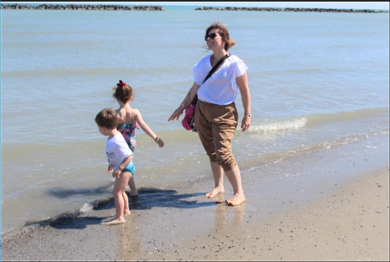 Le brave mamme ogni tanto ammettono di avere bisogno di una vacanza