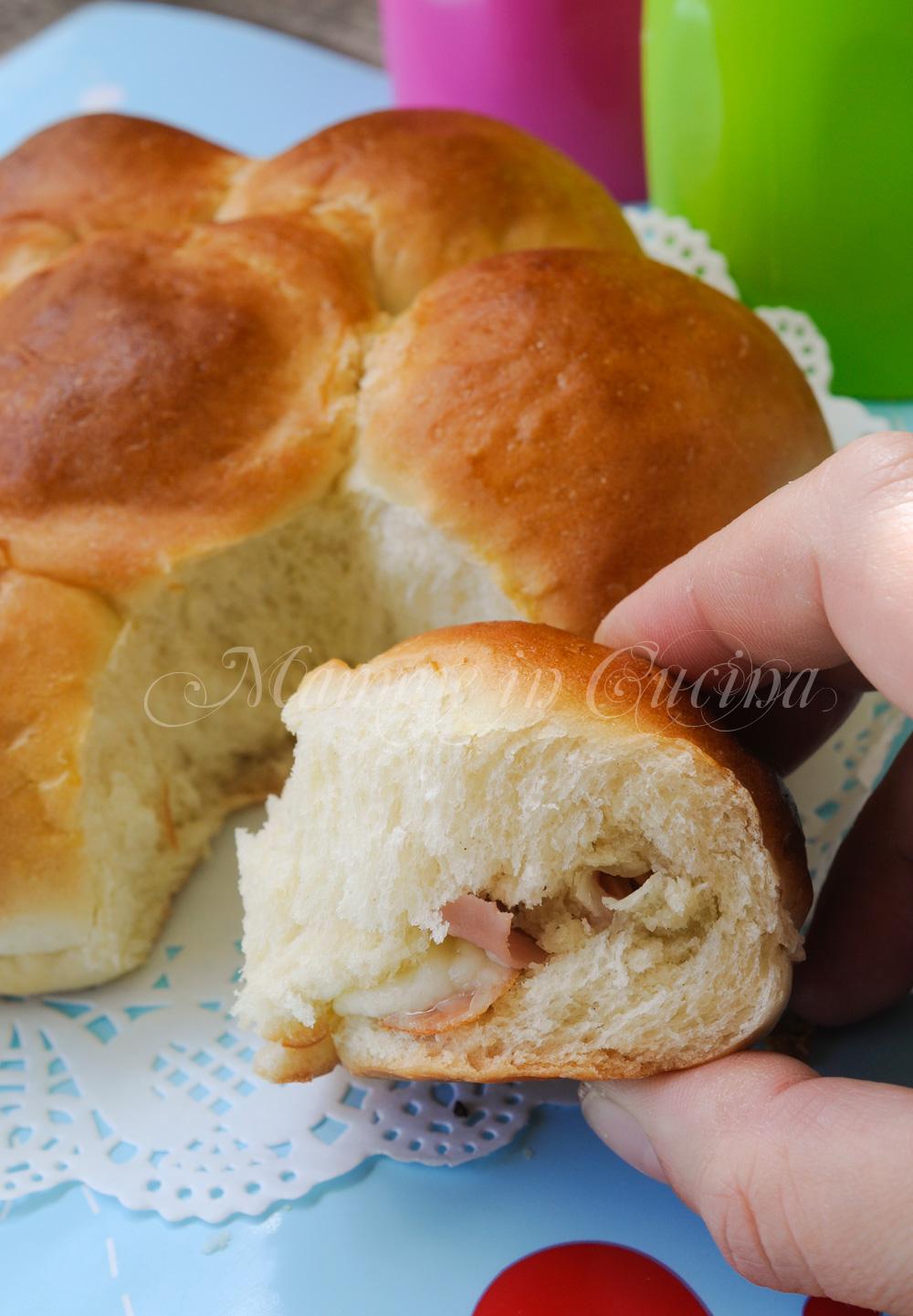 Danubio salato con prosciutto e formaggio mamme in cucina