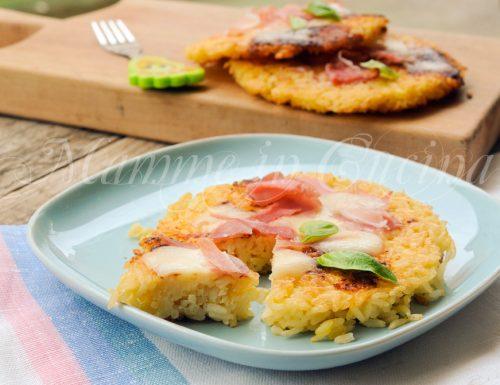 Pizzette di riso farcite ricetta sfiziosa