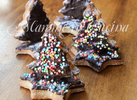 Alberelli natalizi di biscotti al cioccolato