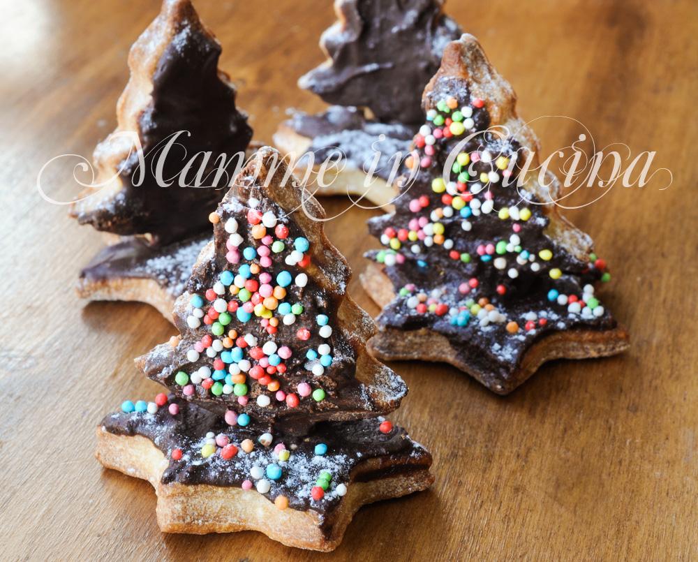 Alberelli natalizi di biscotti al cioccolato mamme in cucina