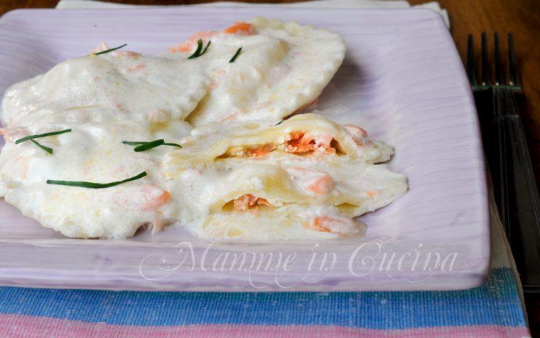 Ravioli panna e salmone affumicato ricetta facile
