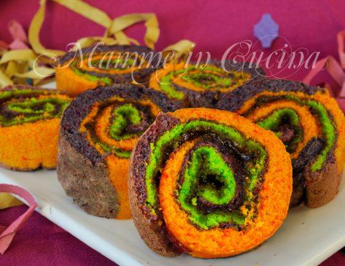 Girelle di pasta biscotto colorate con marmellata