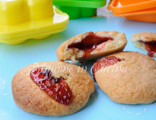 Biscotti ripieni con marmellata ricetta facile